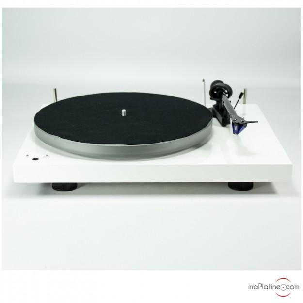 Platine vinyle d'occasion Pro-Ject Debut Carbon Esprit SB DC avec cellule Ortofon 2m blue