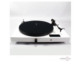 Platine vinyle tout-en-un Pro-Ject Juke Box E