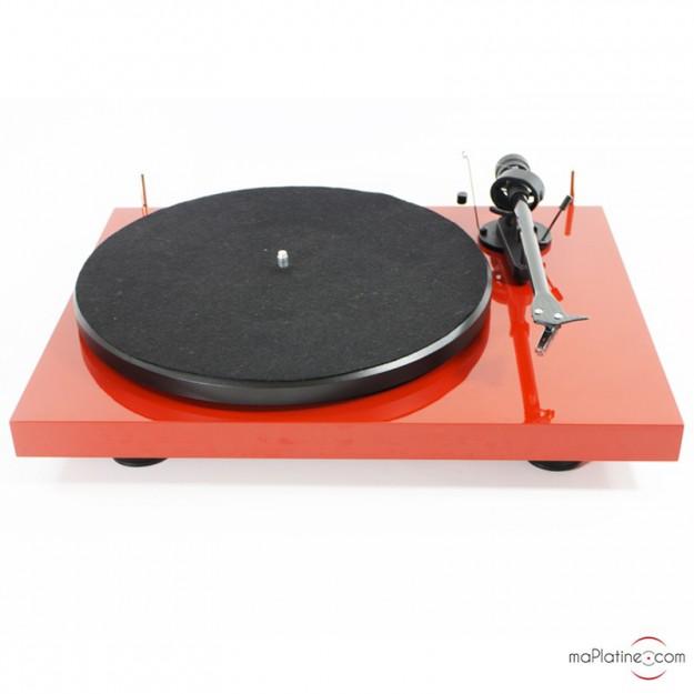platine vinyle d 39 occasion pro ject debut carbon rouge. Black Bedroom Furniture Sets. Home Design Ideas