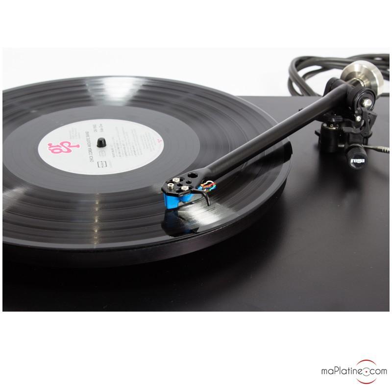 occasion platine vinyle rega p3 24 noire alimentation rega ttpsu. Black Bedroom Furniture Sets. Home Design Ideas