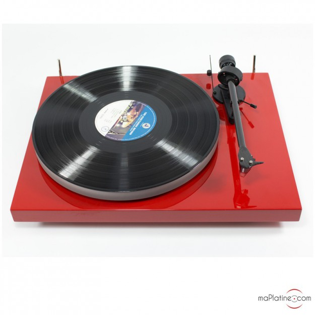 platine vinyle d 39 occasion pro ject debut carbon esprit rouge. Black Bedroom Furniture Sets. Home Design Ideas