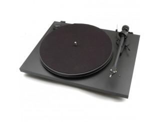 Platine vinyle manuelle Pro-Ject Essential II Référence