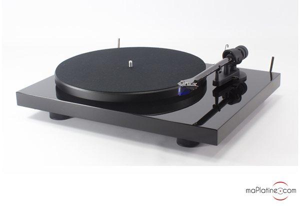 exclusivit la platine vinyle debut carbon 2m blue sp ciale edition le blog. Black Bedroom Furniture Sets. Home Design Ideas