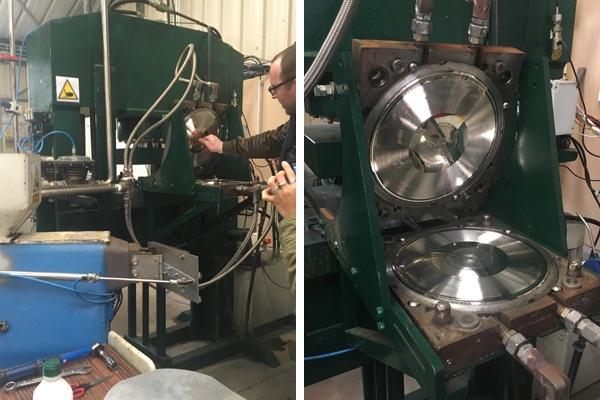 Visite de M Com Musique - machine manuelle de pressage de vinyles