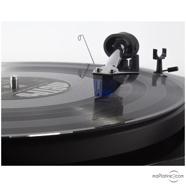 Platine vinyle Pro-Ject Debut Carbon 2M Red Speciale Edition