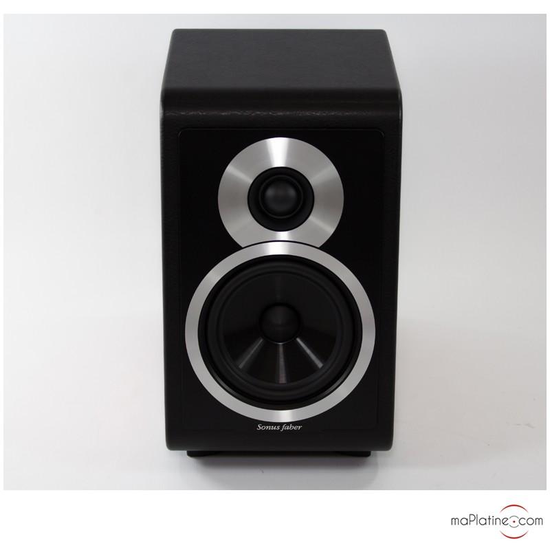 sonus faber chameleon b bookshelf speakers. Black Bedroom Furniture Sets. Home Design Ideas