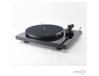 Pro-Ject Debut Carbon 2M Blue Special Edition turntable