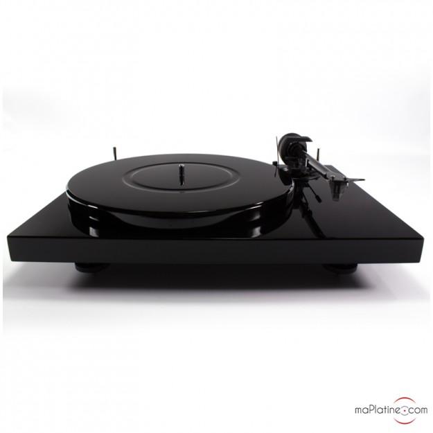 Pro-Ject 1-Xpression Carbon vinyl turntable