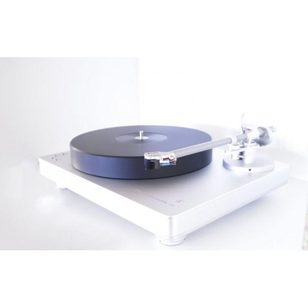 Clearaudio Performance DC vinyl turntable