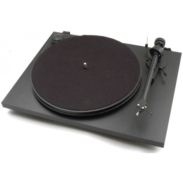 Pro-Ject Essential II manual vinyl turntable