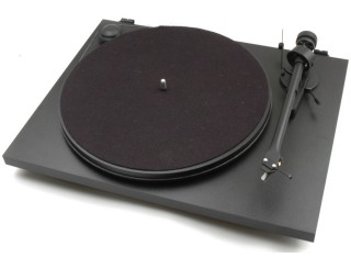 Pro-Ject Essential II Phono USB vinyl turntable