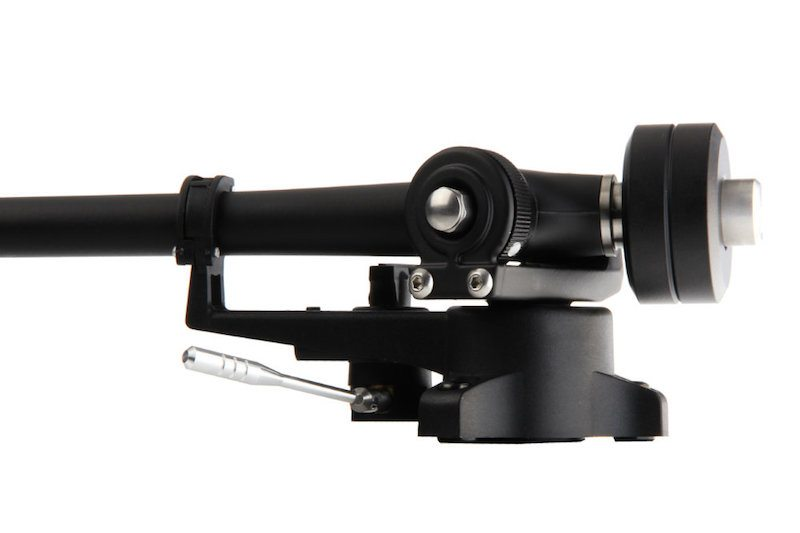 Rega RB330 - Zoom on the tonearm