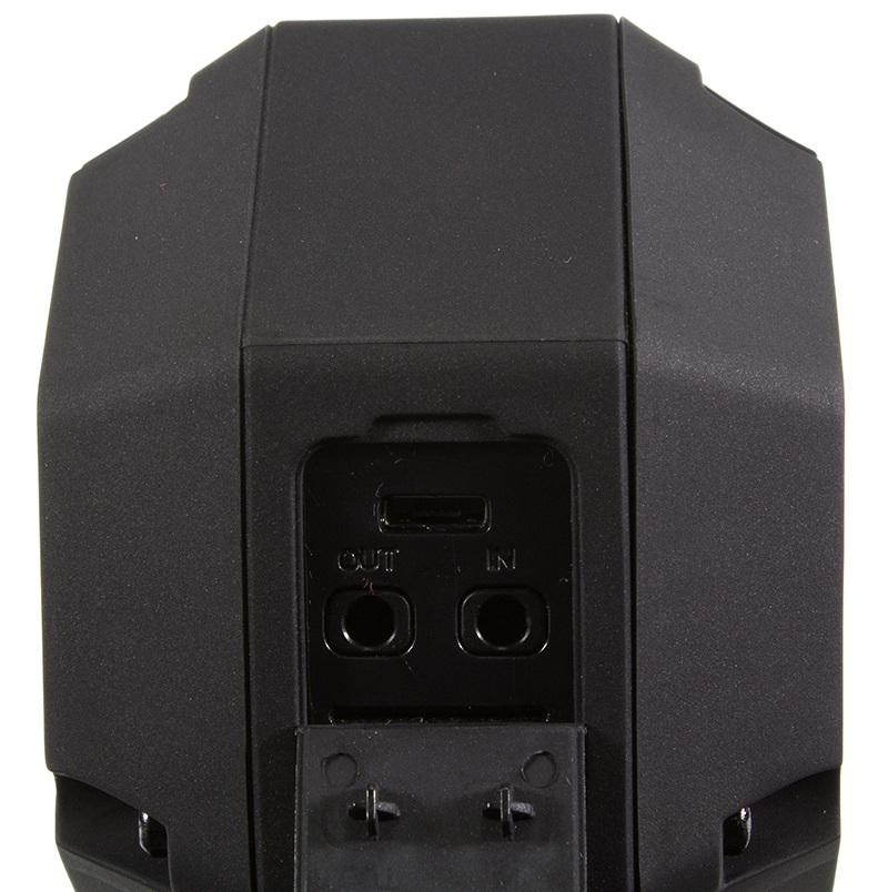 Soundcast VG1 Bluetooth portable speaker - outputs