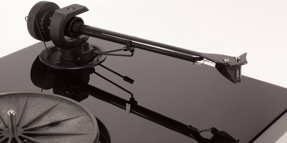 Pro-Ject 1 Xpression Carbon Classic Tonearm and cartridge