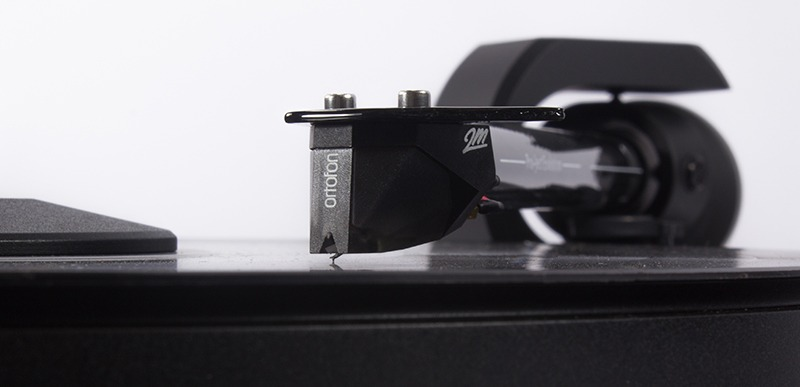 Pro-Ject 2-Xperience Acryl DC turntable with Ortofon 2M Silver cartridge