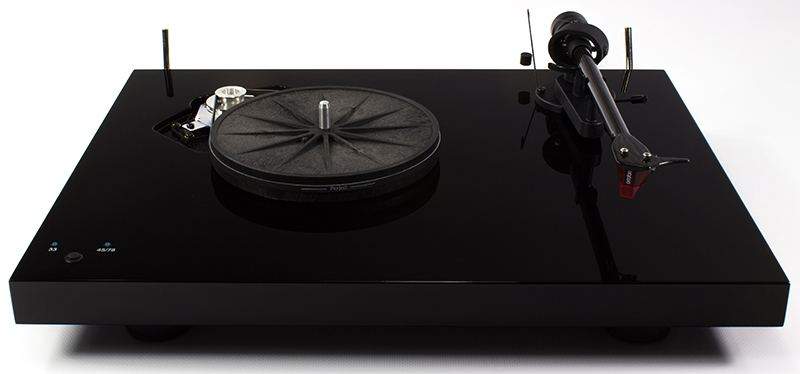 Pro-Ject Debut Carbon Record Master HiRes turntable