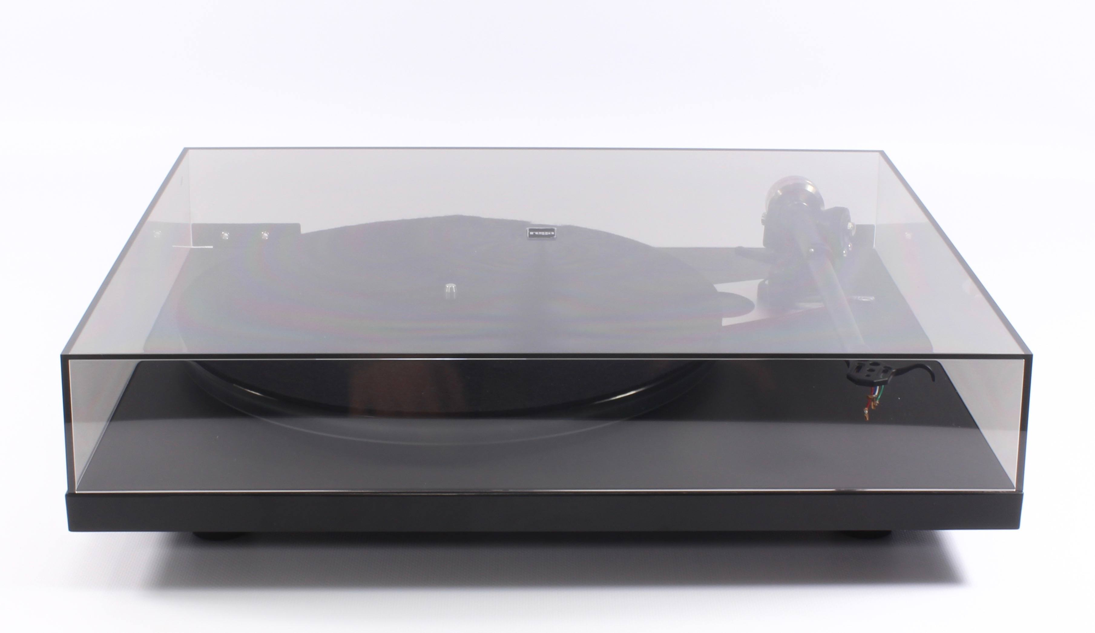 Rega Planar 6 : accessories and dust cover