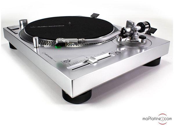 Audio Technica AT-LP120X turntable