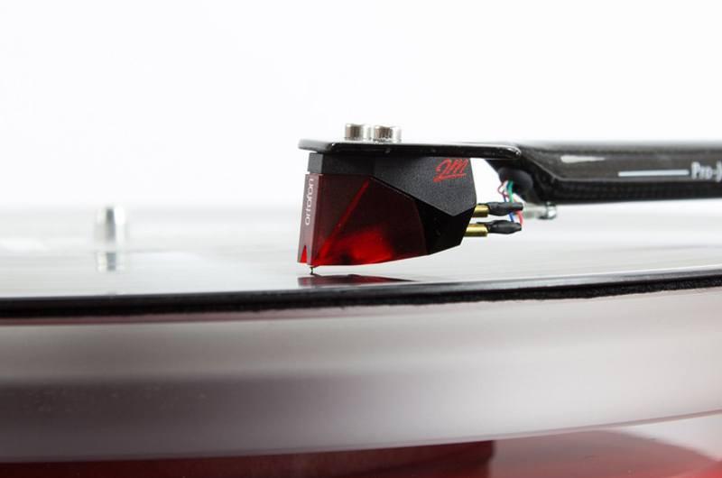 Platine vinyle Pro-Ject Debut Carbon Esprit DC - Cellule Ortofon 2M Red