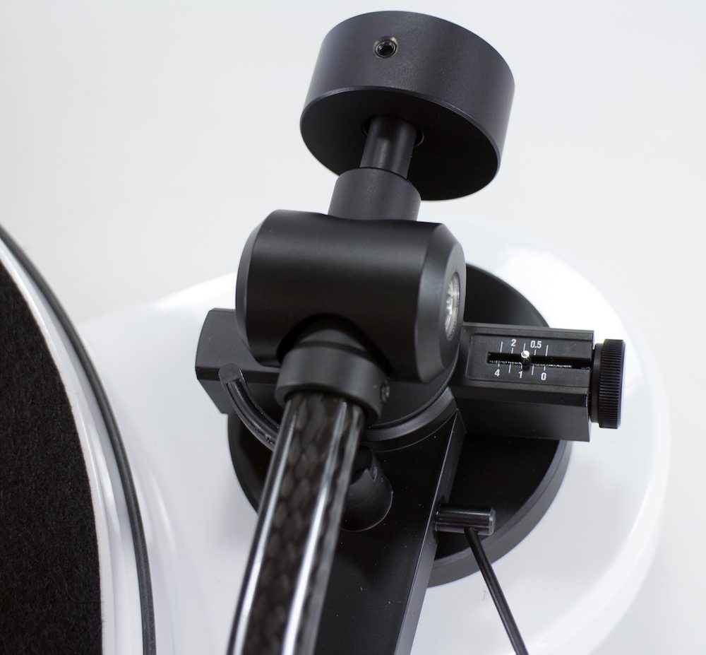 Pro-Ject RPM 1 Carbon Bras