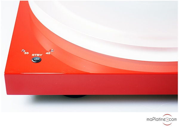 Zoom sur un sélecteur de vitesse pour platine vinyle 33/45t