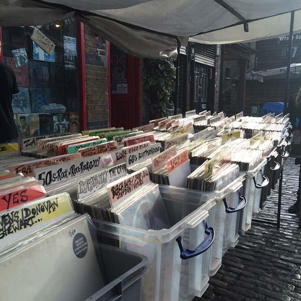 Bacs de disques vinyles