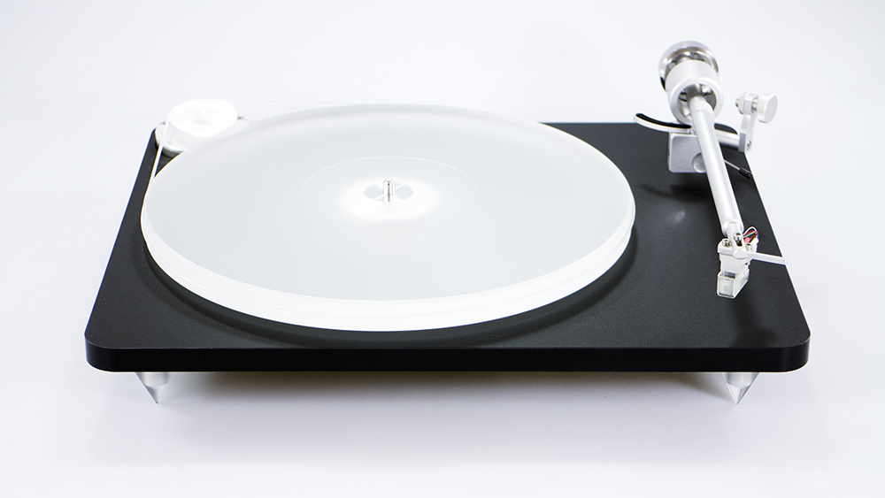 Clearaudio Blackmotion turntable