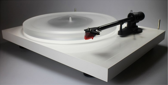 Pro-Ject Debut Esprit Carbon turntable