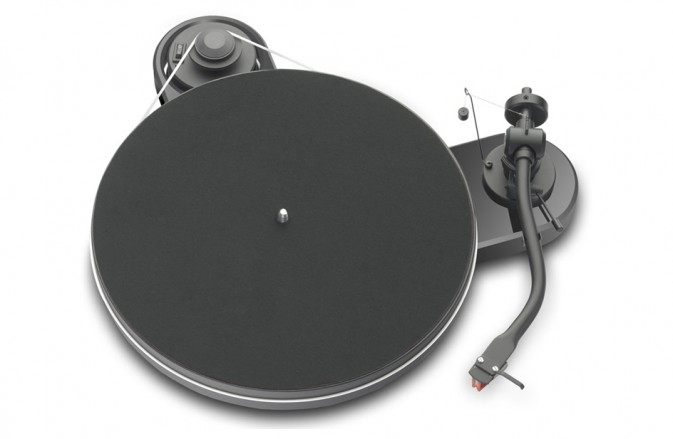 comment choisir platine vinyle. Black Bedroom Furniture Sets. Home Design Ideas