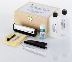 Clearaudio professional care kit in a wooden box