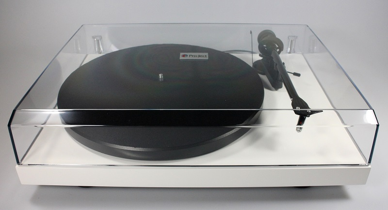 Pro-Ject Debut Carbon USB turntable