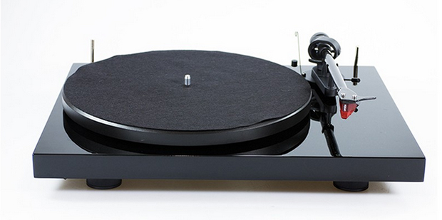 Pro-Ject Debut Carbon Special Edition 2M Red turntable
