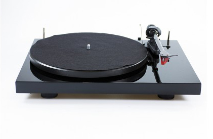 Pro-Ject Debut Carbon turntable with 2M Red Special Edition cartridge